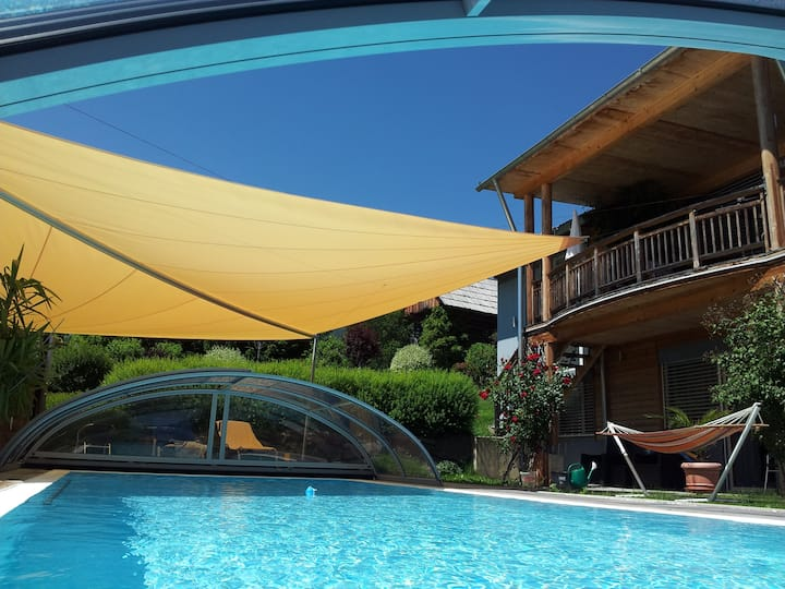 Luxuriöse Villa mit privatem Pool