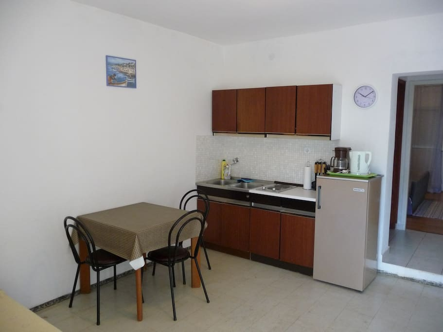 Kitchen/dining room/living room