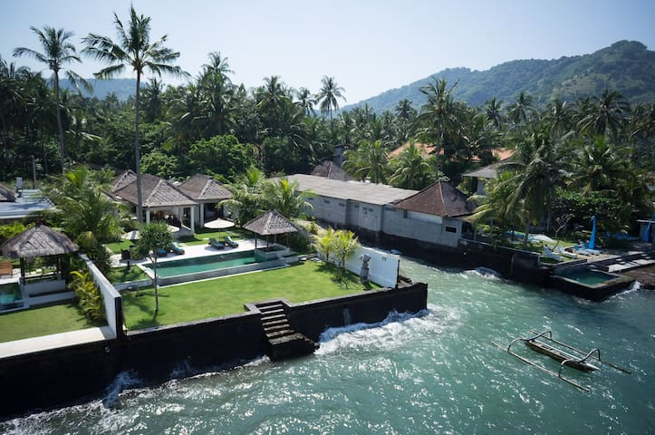 Luxurious Ocean-front Villa Gita in Candidasa - Manggis - Huvila