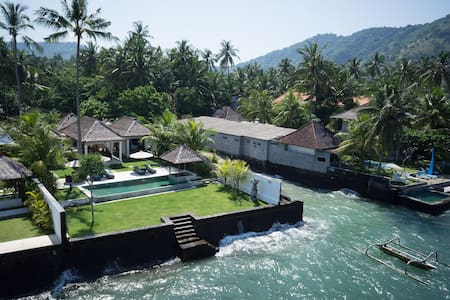 Luxurious Ocean-front Villa Gita in Candidasa - Manggis