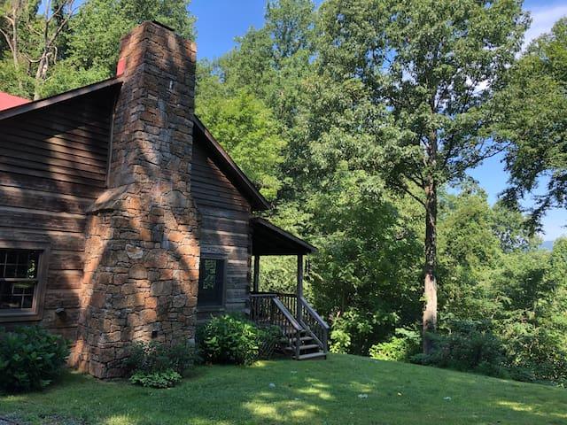 The Cabin at Ragged Rock Ridge