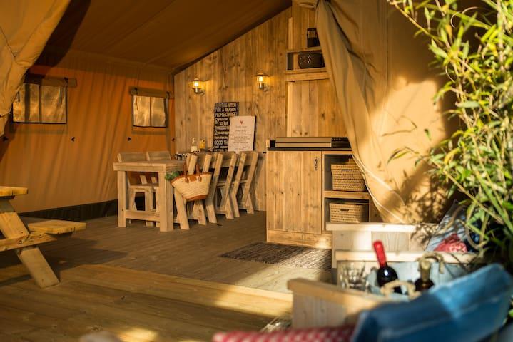 Luxury safari lodge close to Futuroscope