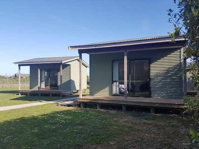 Frasers Orchard Stay Unit 4 (Sleeps 2- 4 people)