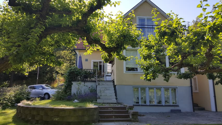 Charm and location! 15' from Sthlm city.