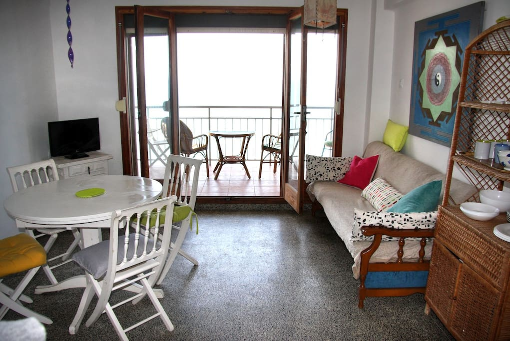 Living room, terrace doors, sea view - Salon