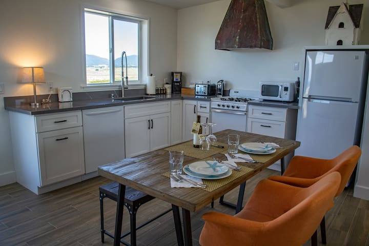 Fully-stocked kitchen with views of Manchester State Beach.