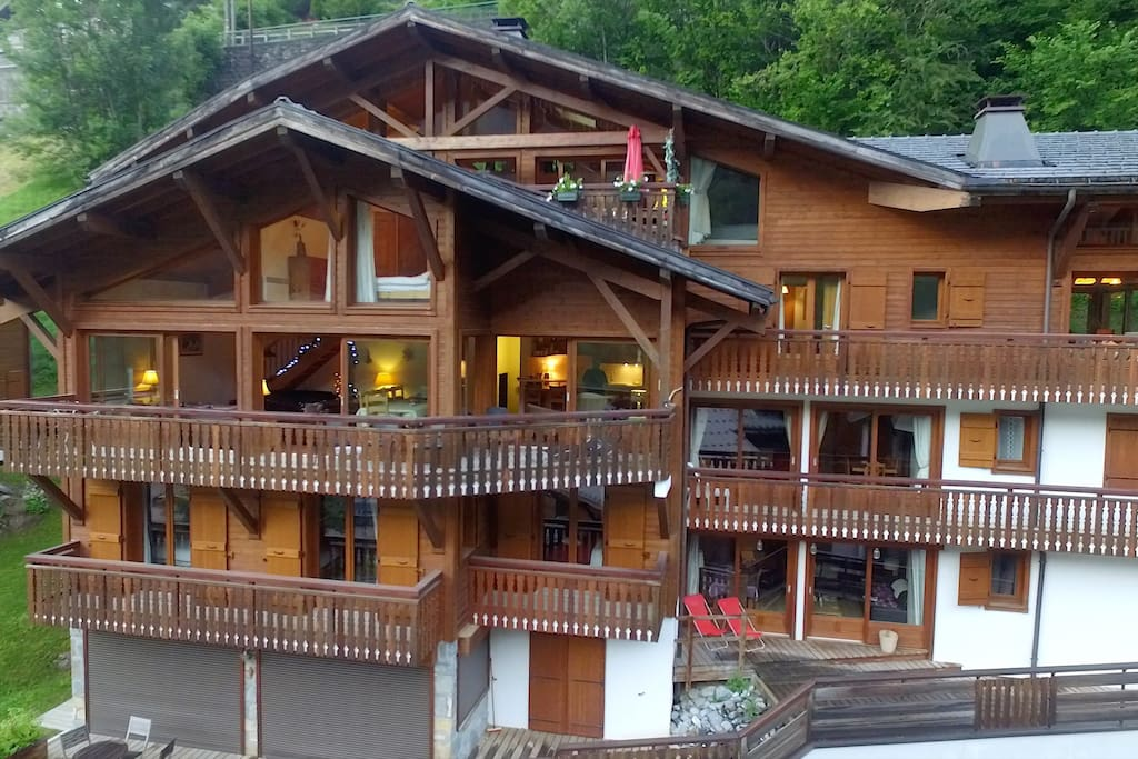 Spacious ski-in-ski-out apartment - Flats for Rent in ...