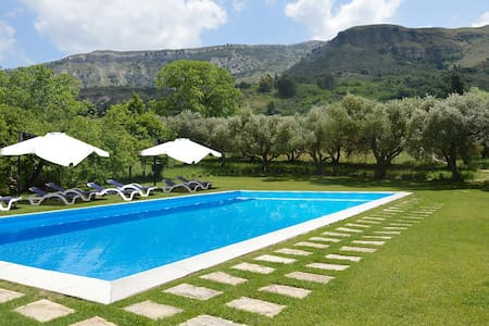 Historic villa in Corleone, pool,AC - Villa