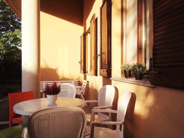 CAFFELETTO Appartamento con giardin - Bareggio - Lejlighed