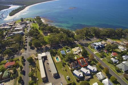 Huskisson Beach Holiday Villa - Jervis Bay - Huskisson - Huvila