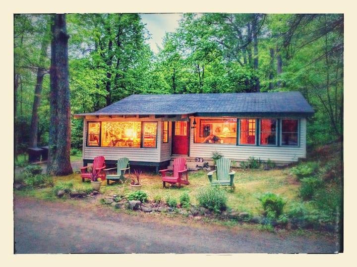 Pocomoonshine Camp - Rustic Jewel by the Lake