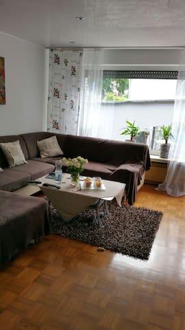 Uriges gemütliches Zechenhaus - Marl - Huis