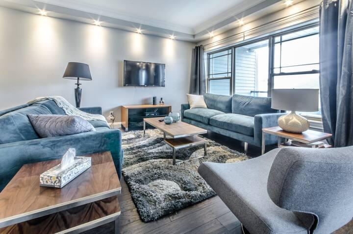 Luxury Waterfront Condo 101-16