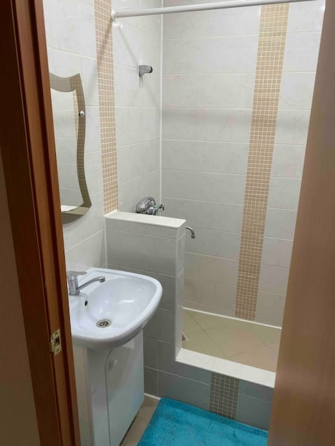 Уютная и чистая квартира в Елабуга ждёт гостей!