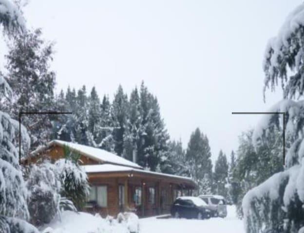 Log style lodge  Sleeps 16