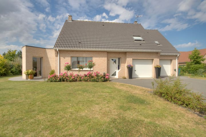 Near  Bergues, nice modern house - Steene - Bed & Breakfast