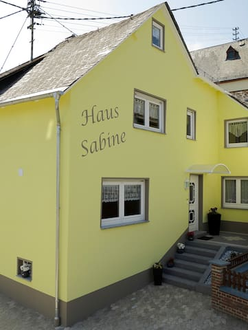 Ferienhaus Sabine - Lorch-Wollmerschied