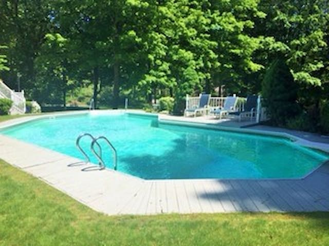 Katonah retreat, close to NYC RR - Cross River