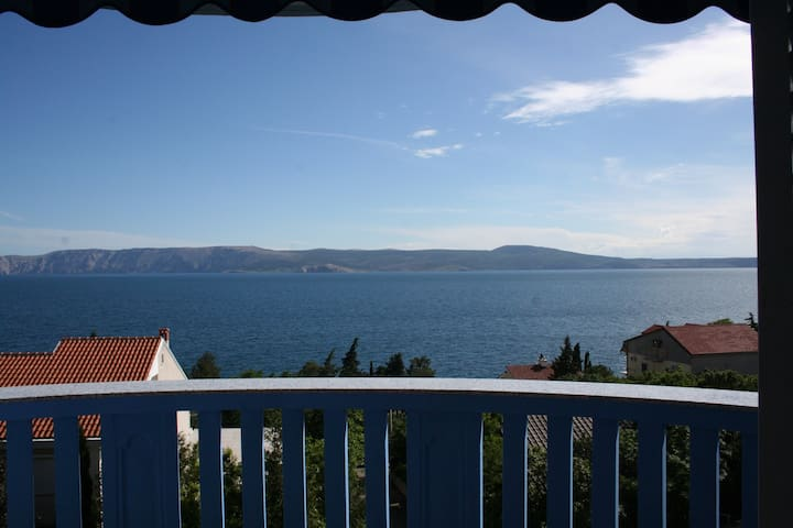 Comfortable apartment close to sea - Novi Vinodolski
