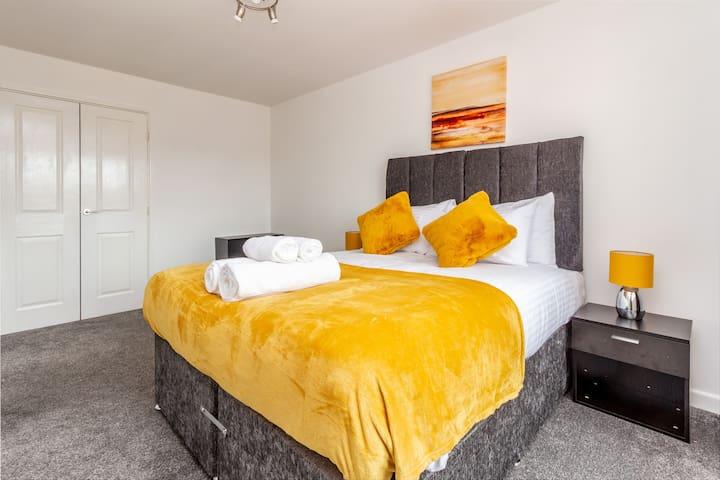 ★ Contemporary Worcester City Centre Apartment ★