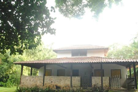 Alquimia, Quarto para casal em Paraty Mirim.