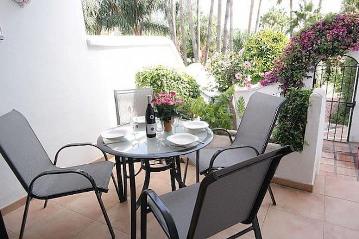 Beautiful Apartment- Oasis de Capistrano, Nerja.