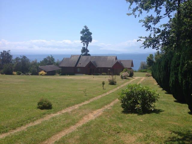 Spectacular House in Ranco Lake Chile Puerto Nuevo - Lago Ranco