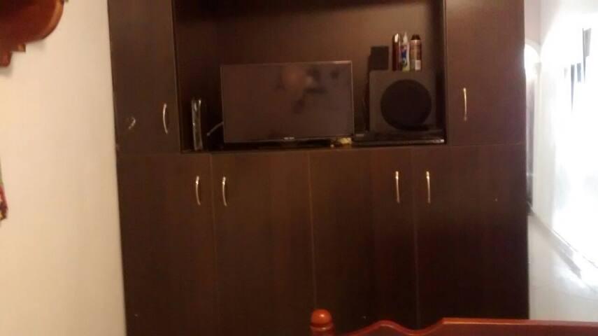 Closeth + TV