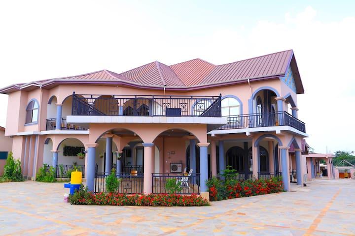 Osaah Bema Hotel  Antoa-Ahodwo Hotel With a View