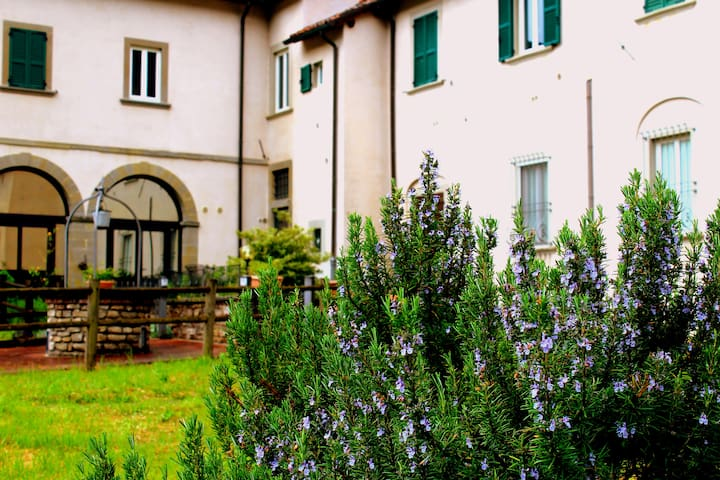 Badia del Borgo: typical tuscany flat - Marradi - Leilighet