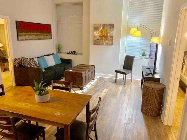 2 BEDROOM 2 BATH APARTMENT IN CHICAGO LOOP CENTER