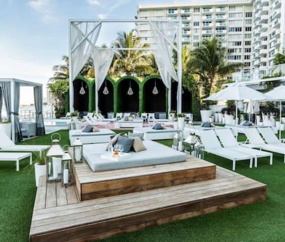 FALL SALE 35% OFF IN MONDRIAN HOTEL - 5 STARS ⭐️