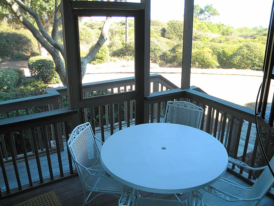 Deck,Porch,Dining Table,Furniture,Table