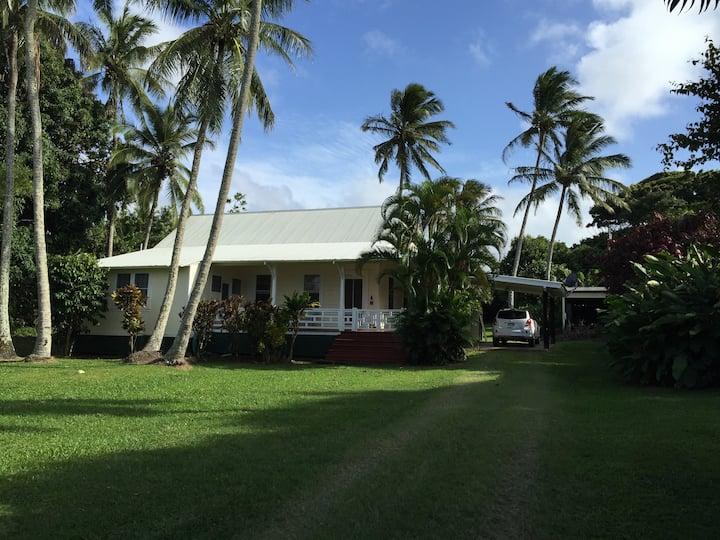 Hale Ohai Historic Hawaii - Newly Renovated