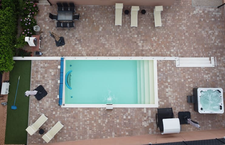 Villa Dalmatian with heated pool and  jacuzzi