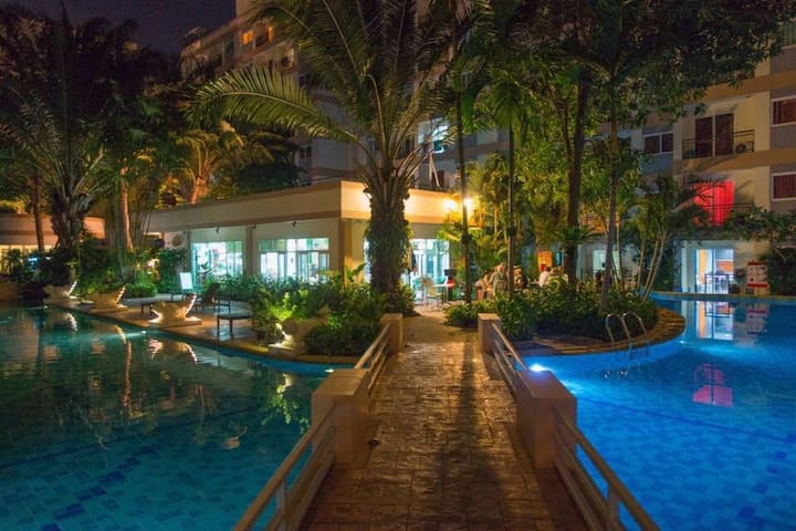 Park lane , Jomtien holiday and long term stay