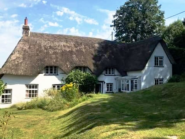 Merlewood Cottage, quiet retreat in the country