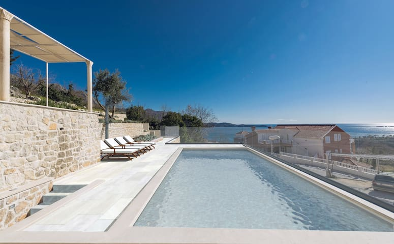 Bella Vista - Studio with Terrace and Sea View with Shared Swimming Pool