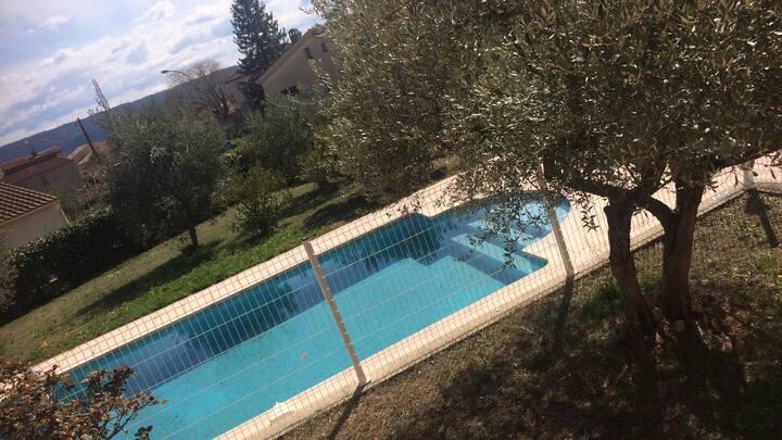Maison dans un jolie village de Provence