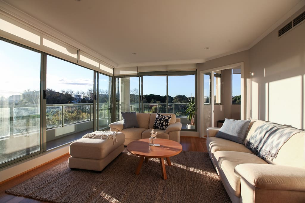 Floor to ceiling windows, perfect to admire the view.