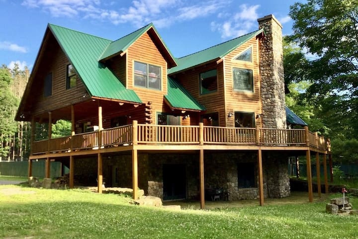 Allegheny Valley Ranch Balcony Suite *Santized