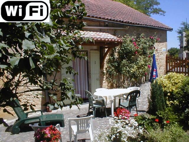 Gîte 2* le Roudier Périgord - Saint-Avit-Sénieur - Hus