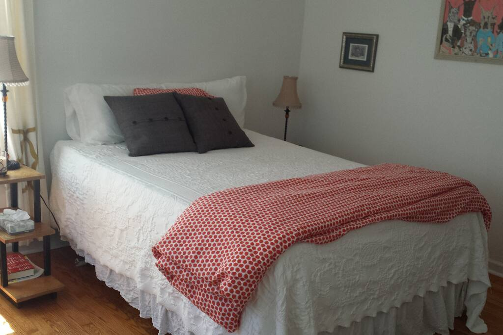 Guestroom - has two bedside tables, a closet, room for your luggage.
