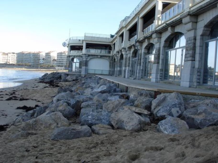 La Pergola Spa is ON THE BEACH!