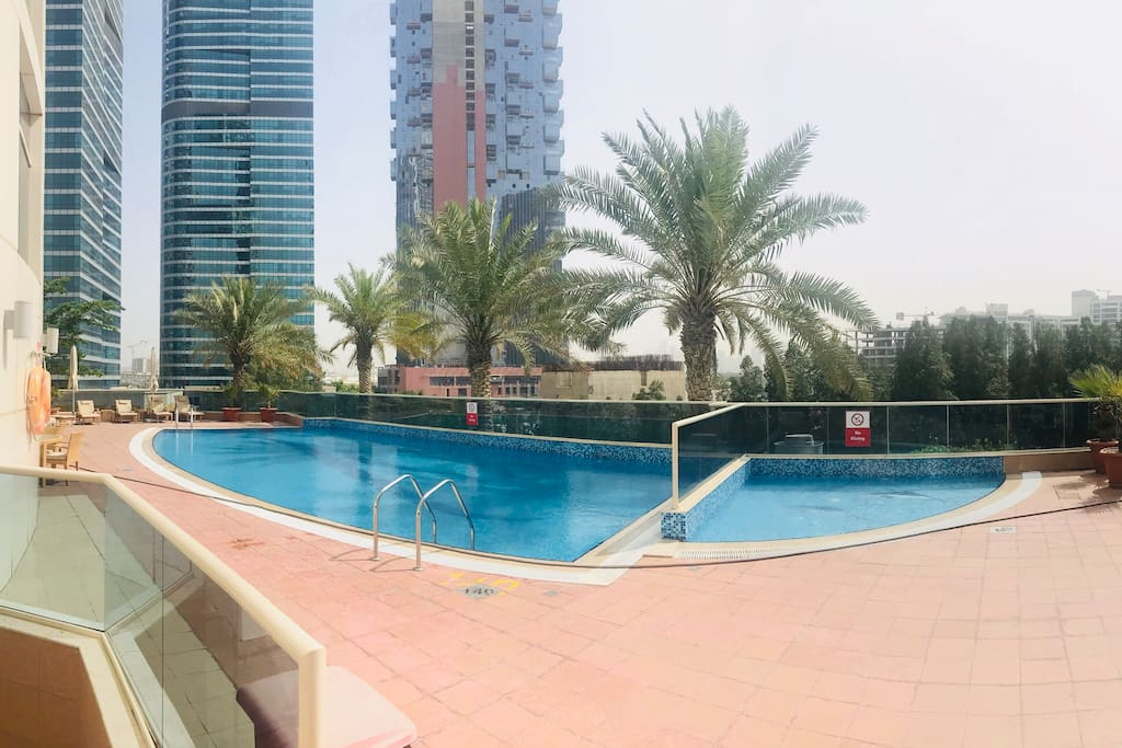 Swimming pool open from 8am to 10pm