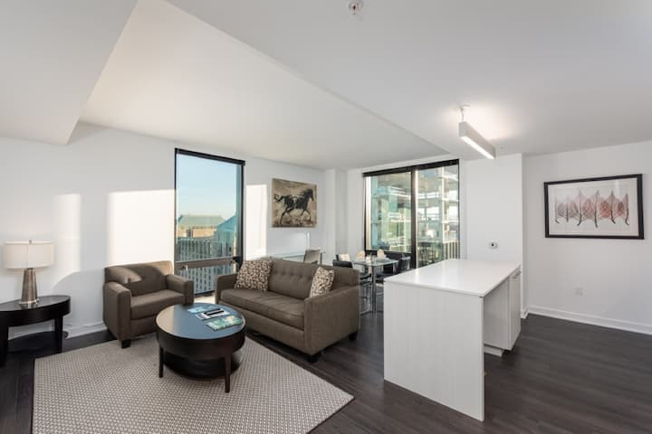 Modern 2BR | Upscale Amenities | Reston by BBS