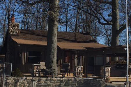 Cozy Holiday Lake front rustic cabin - Huntsville - Cabana