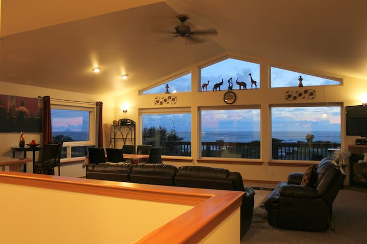 Stunning OceanViews,HOT TUB, Wifi, Cable, Sleeps 8 - pacific beach - Huis