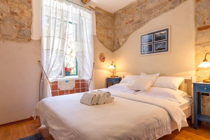 Villa Split Art - Blue Room