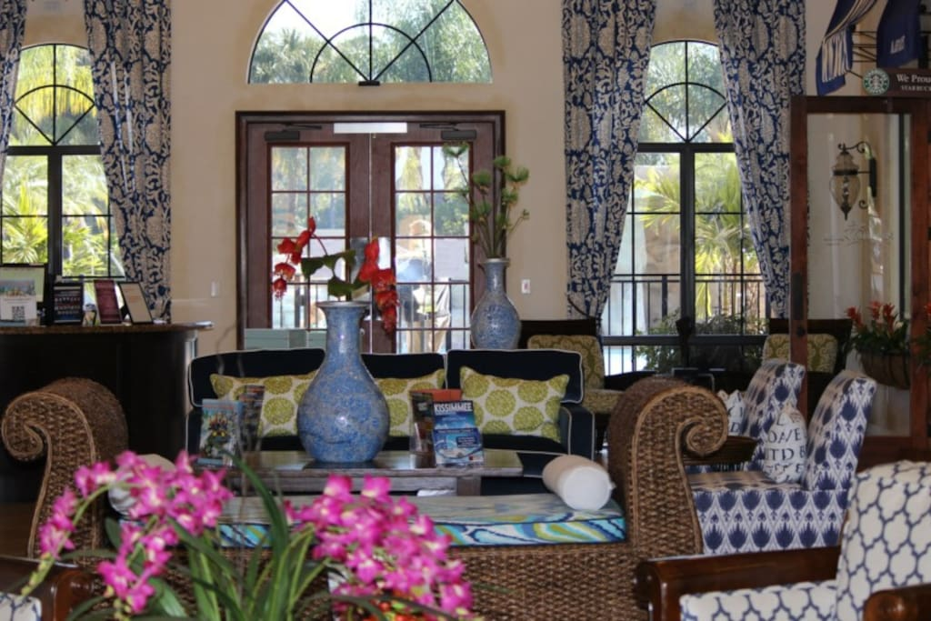 Paradise-Palms-Resort-Clubhouse-Lobby